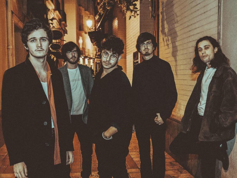 La banda zaragozana Delacueva abriga ritmos de blues, rock, pop y funky en su álbum de debut