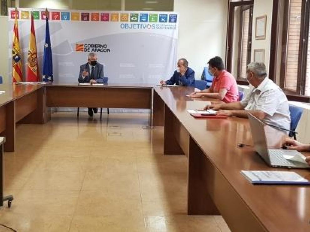Olona se reúne con los representantes de las Comunidades de Regantes del El Sifón de Cardiel y Sector XIII-A Monegros Sur
