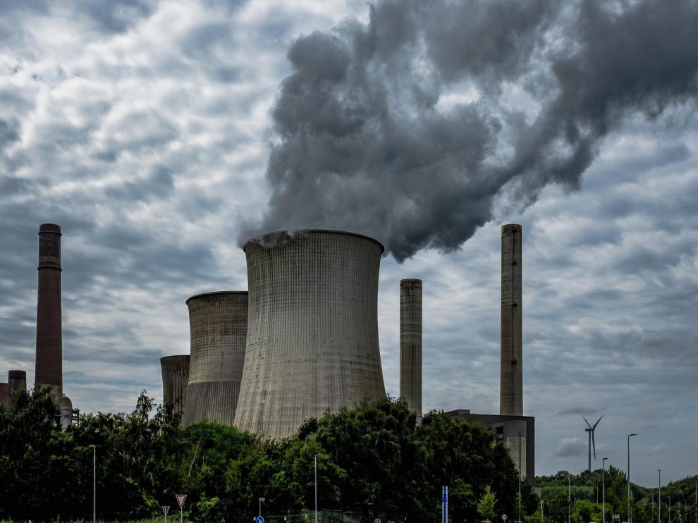 La proximidad residencial a instalaciones industriales que emiten sustancias tóxicas al medio ambiente y generan residuos peligrosos podría ser una fuente potencial de exposición a carcinógenos reconocidos.