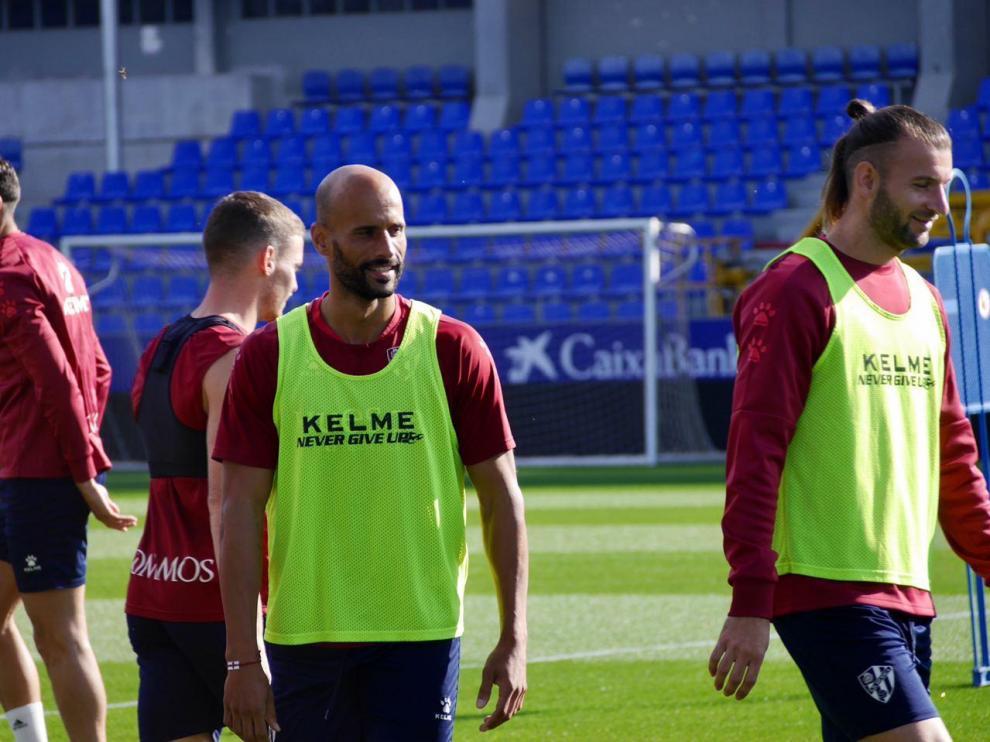 Mikel Rico, durante el entrenamiento de este martes en El Alcoraz.