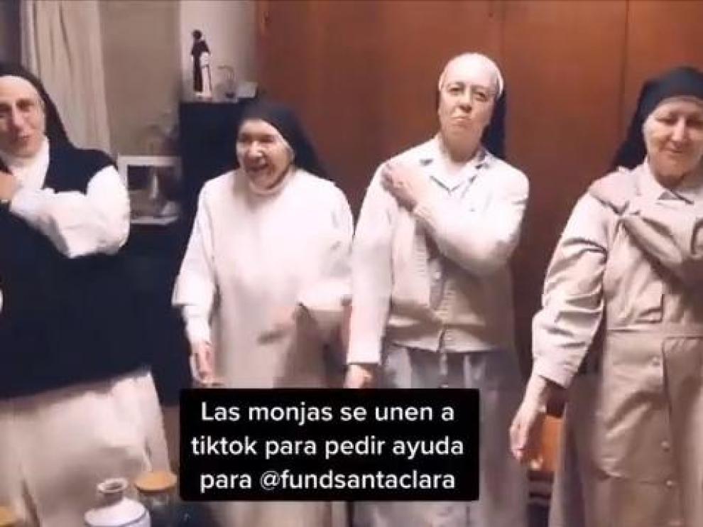 Las monjas del convento de Santa Clara de Manresa bailan en Tik Tok