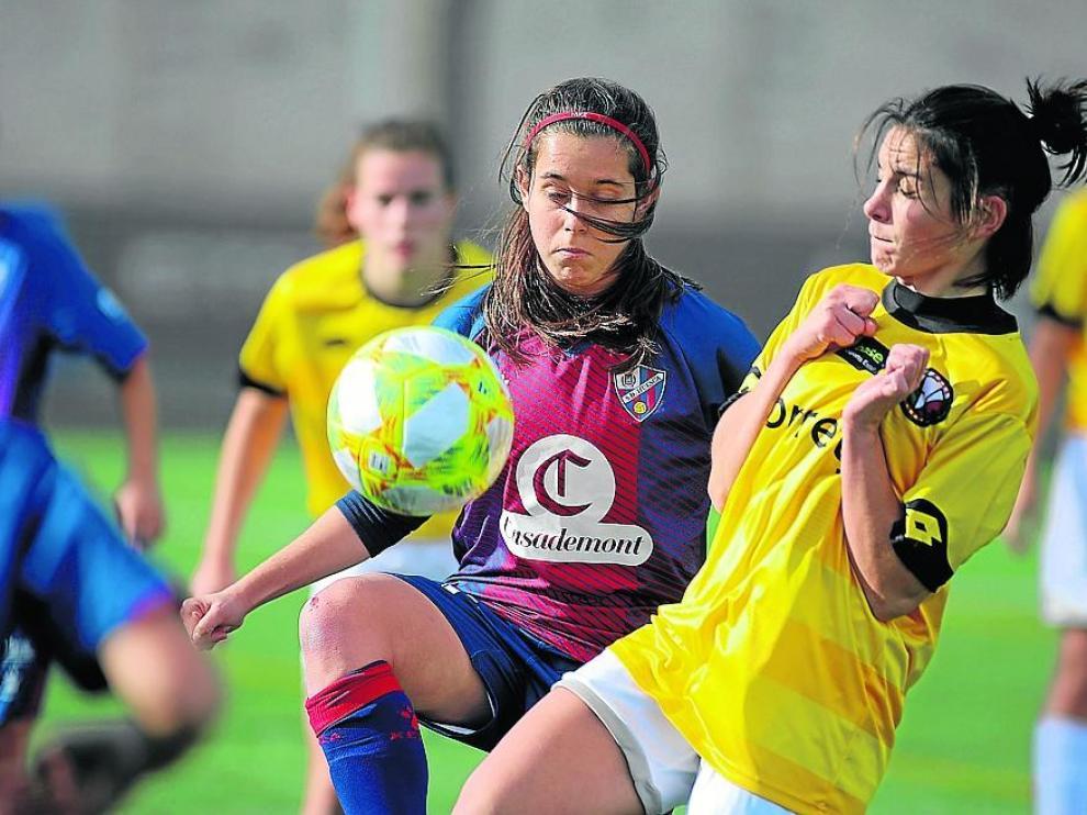 Imagen del partido entre el Huesca y el Vic femenino de la pasada temporada