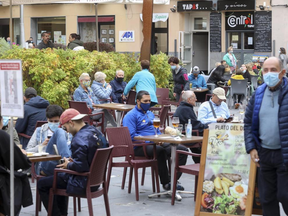 Turistas en Jaca / 10-10-2020 / Foto Rafael Gobantes [[[FOTOGRAFOS]]]