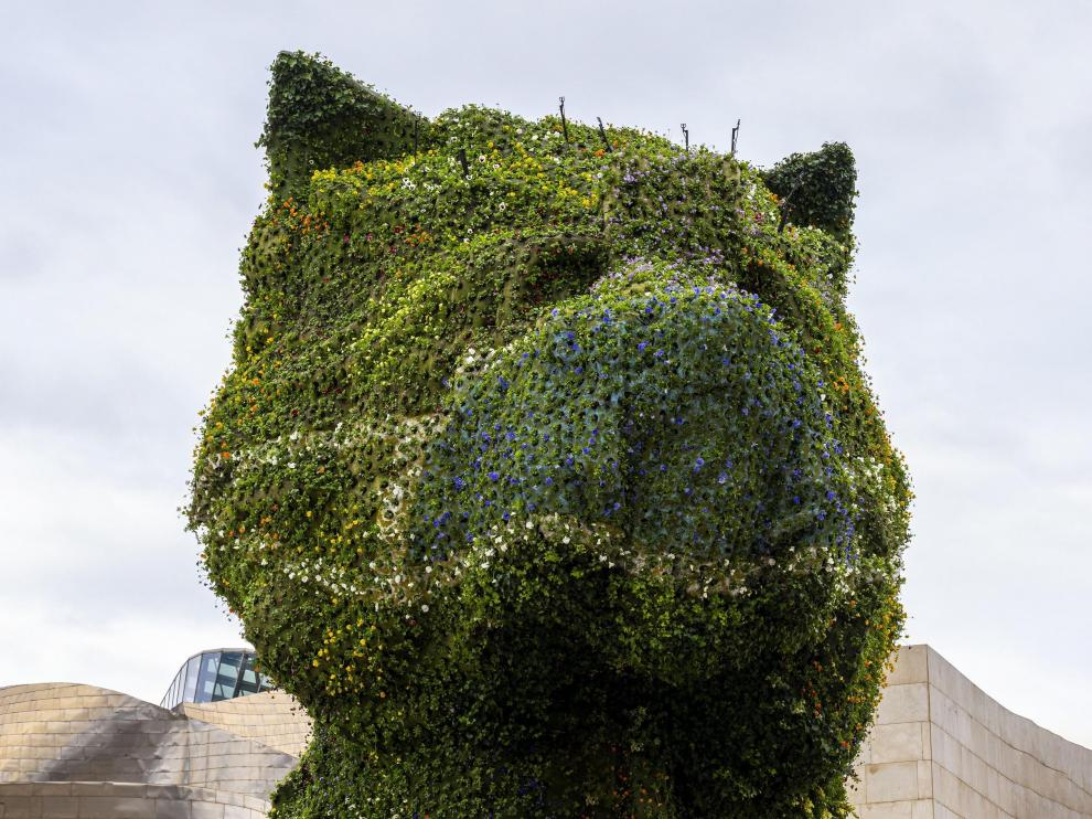 El Puppy del Museo Guggenheim Bilbao se suma al uso de la mascarilla para animar a protegerse durante la pandemia  28/10/2020 [[[EP]]] Puppy con mascarilla