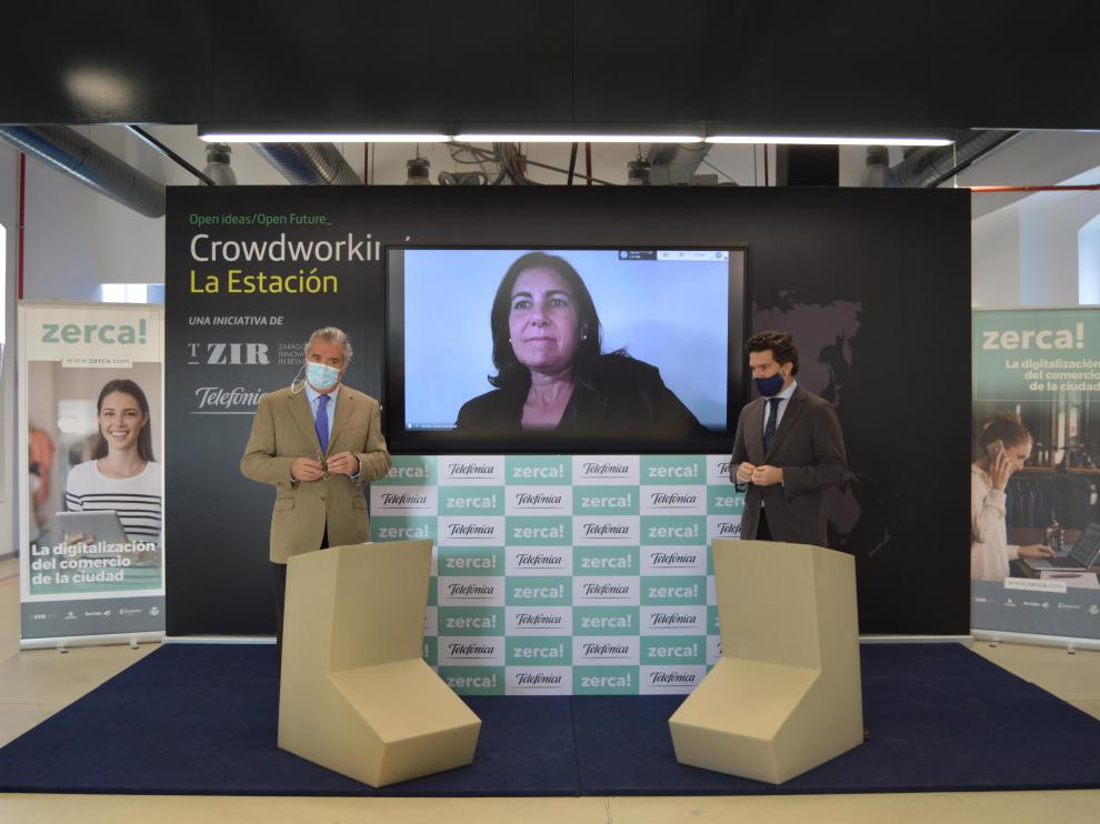El presidente de T-ZIR, Alfonso Soláns, la consejera delegada de Telefónica España, María Jesús Almazor y el presidente de Hiberus Tecnología (Grupo Henneo), Íñigo de Yarza