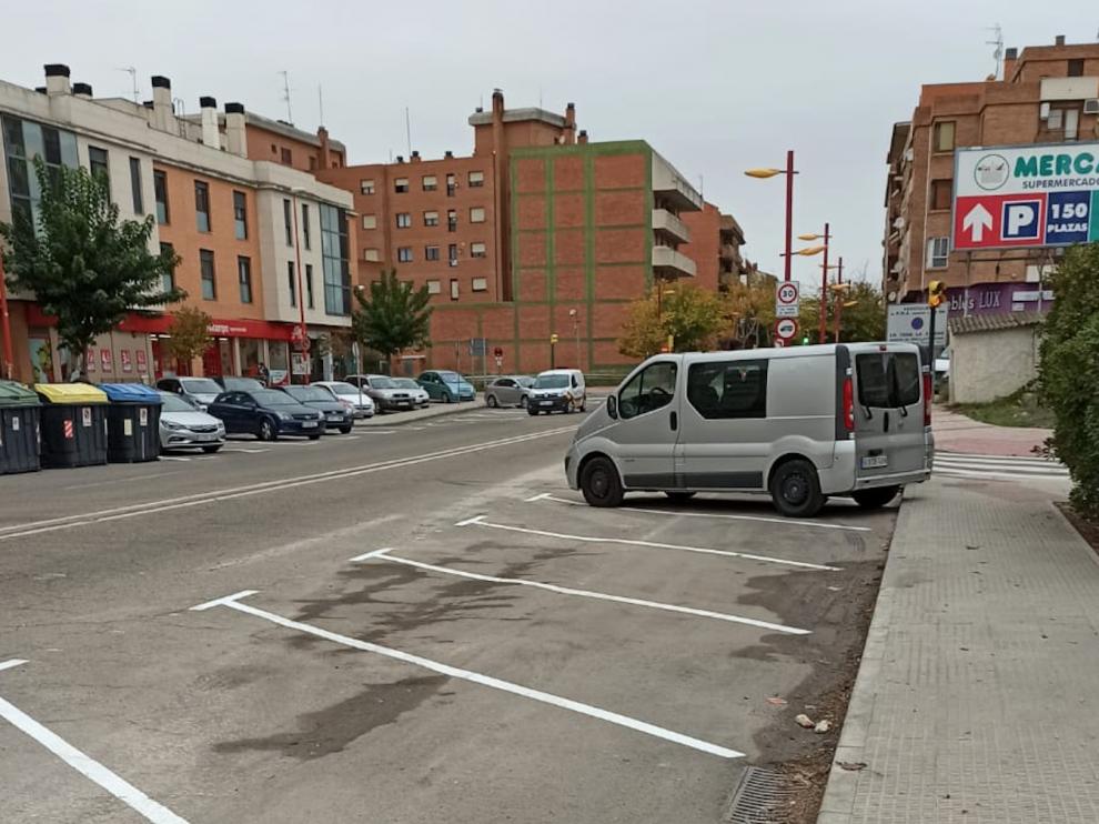 Nuevas plazas de aparcamiento creadas junto al barrio de Malpica, en Utebo.
