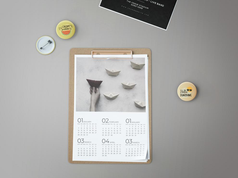 Los calendarios para casa o la oficina se pueden hacer a mano con dibujos o fotografías.