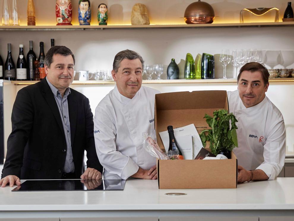 Los hermanos Joan, Josep y Jordi Roca del restaurante tres estrellas Michelin El Celler de Can Roca (Gerona).