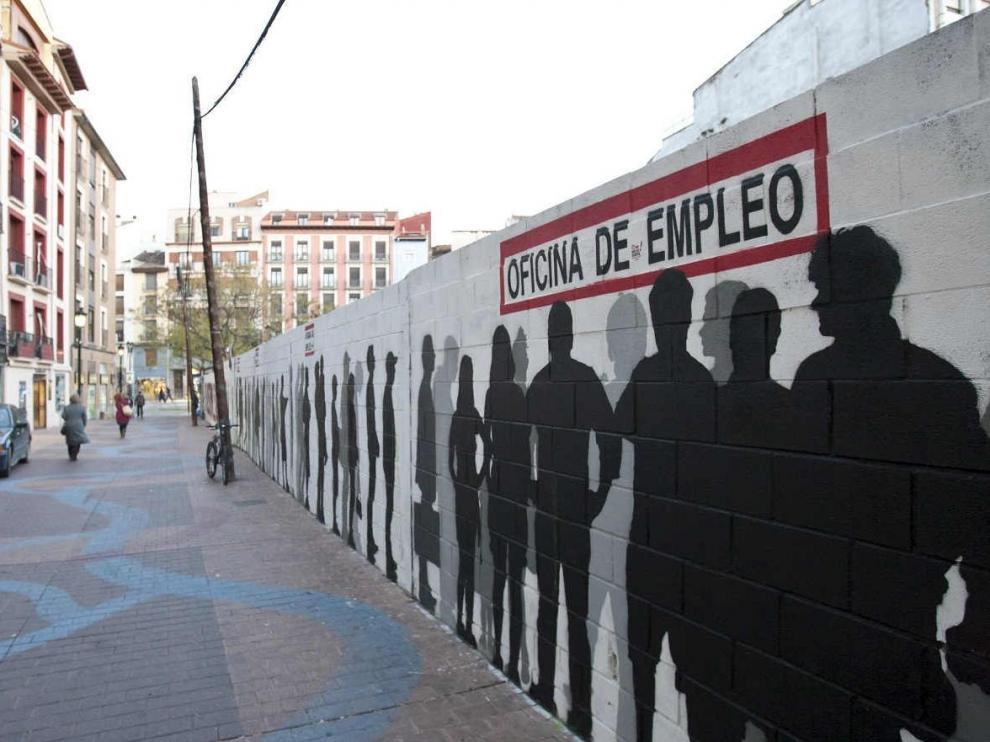 Grafiti de la oficina de empleo en la calle San Pablo de Zaragoza.