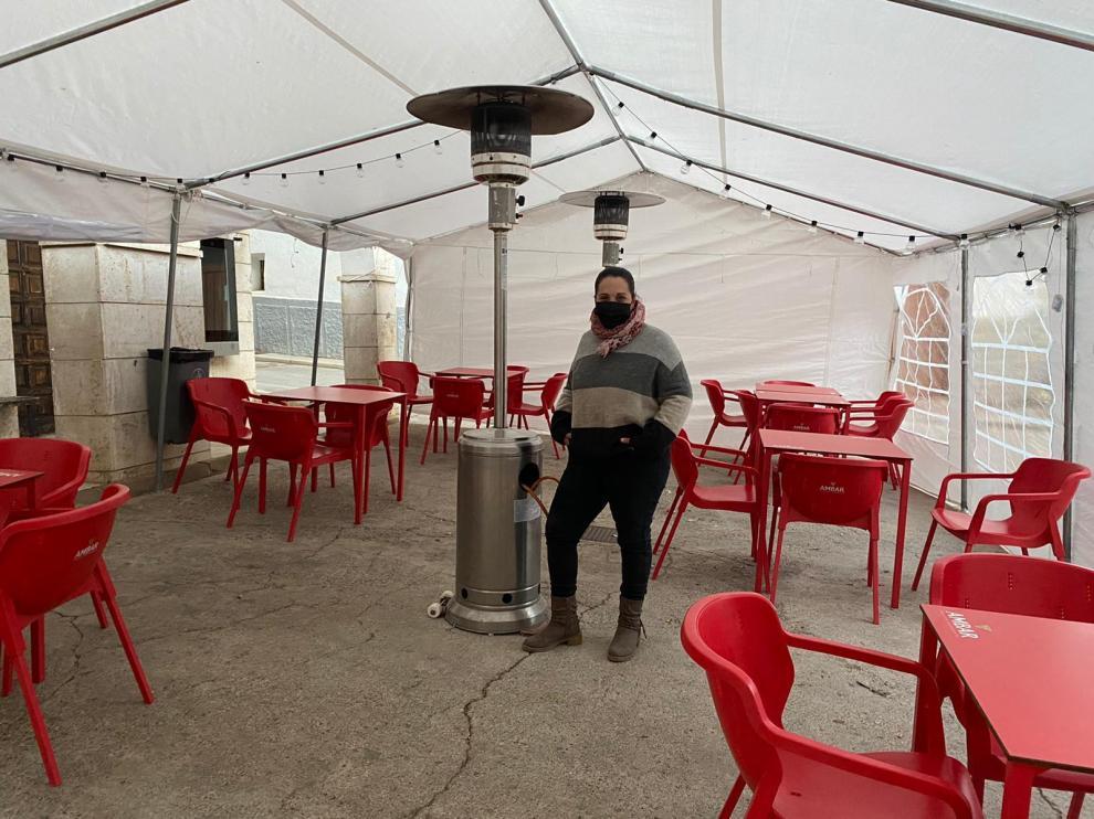 Nuria Andrés gestiona el bar de San Agustín desde hace seis años.