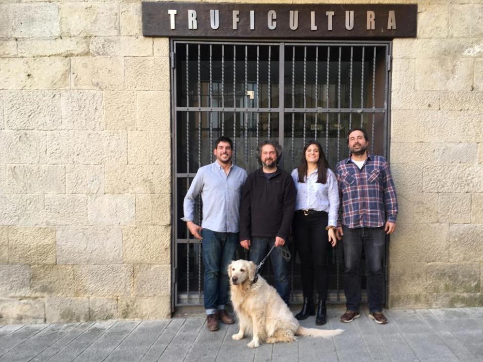 Pedro Marco, Sergi García, Eva Tejedor y Sergio Sánchez, investigadores del CITA.