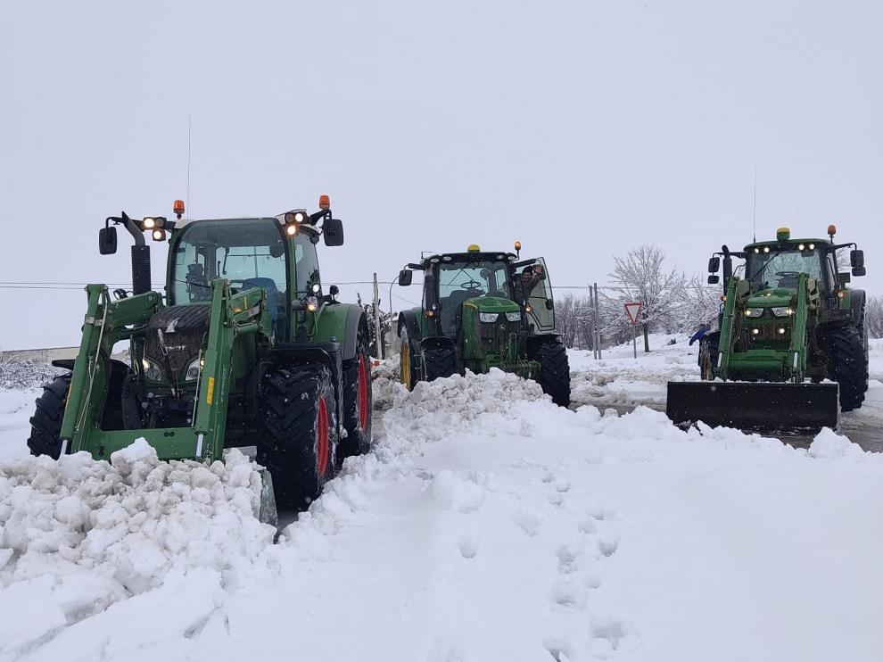 Tractores aragoneses contra Filomena.