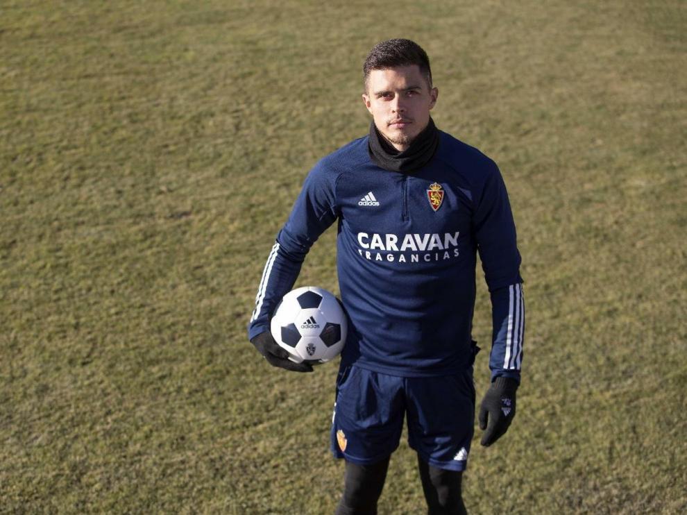 Juanjo Narváez, al mediodía de este sábado 16 de enero, posa para HERALDO en la Ciudad Deportiva.