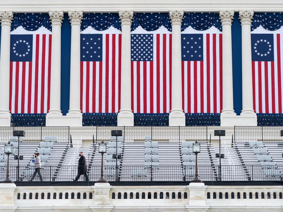 Preparativos en el Capitolio para la toma de posesión de Joe Biden.