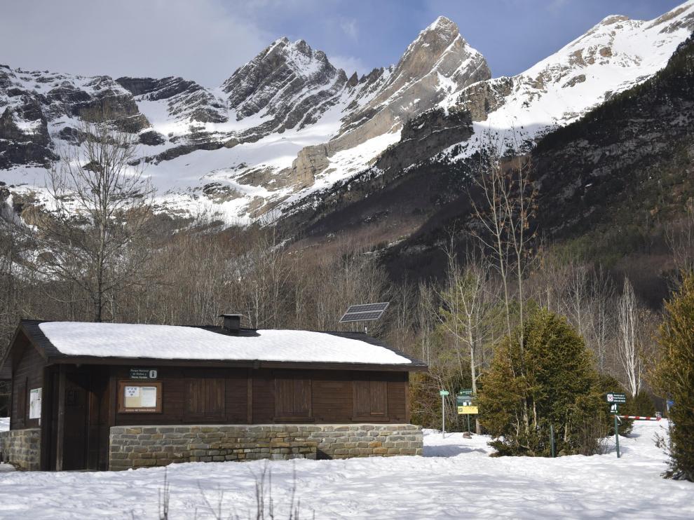 El Valle de Pineta, nevado.