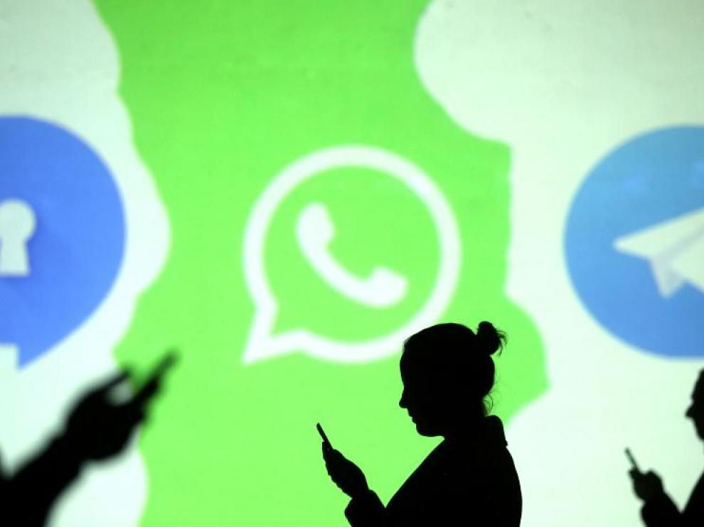 Los logos de Signal, WhatsApp y Telegram