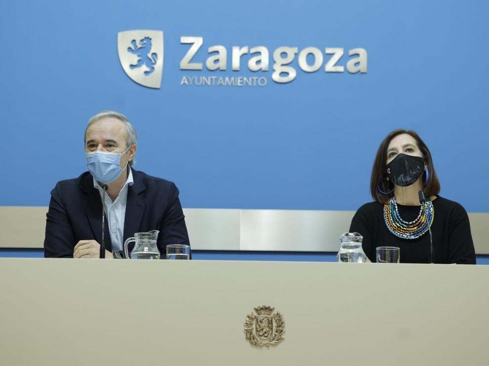 Jorge Azcón y Sara Fernández, este sábado.
