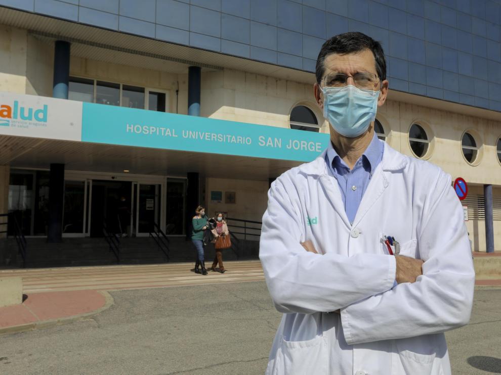 José Puzo, jefe del servicio de Bioquímica del San Jorge, es el primer profesor vinculado al hospital.