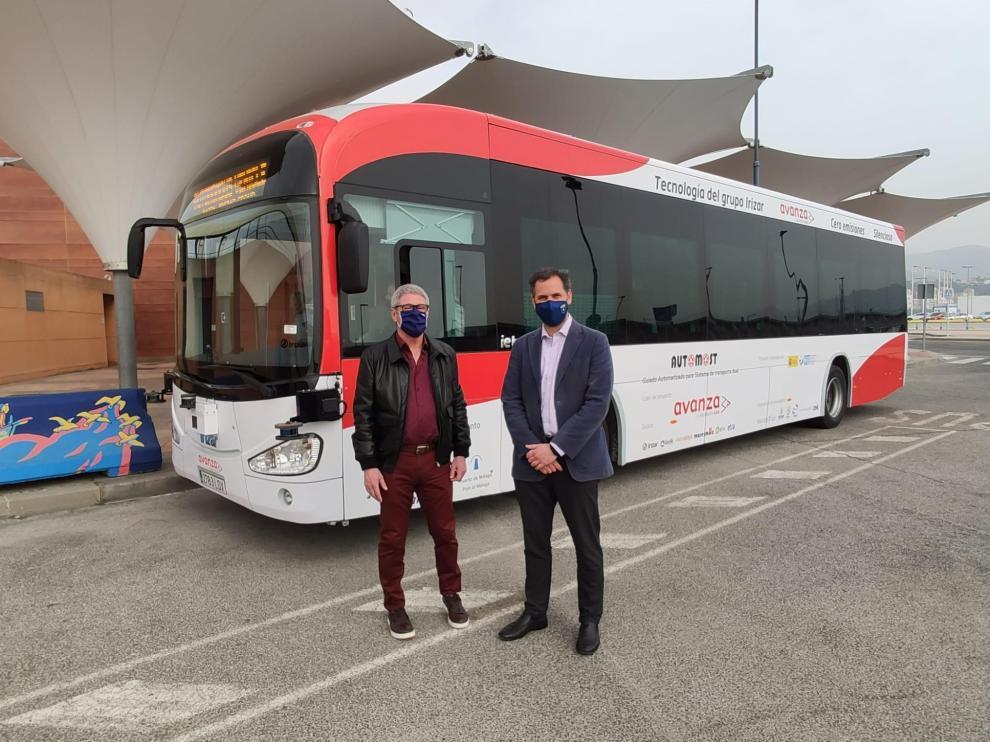 El director general de Transportes y el gerente del Consorcio de Transportes de Zaragoza, este sábado en Málaga.