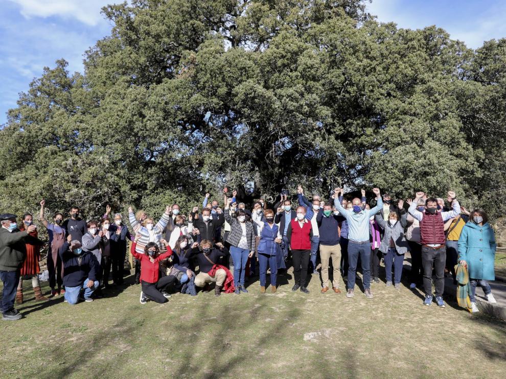 Vecinos de Lecina y su entorno celebran que su carrasca milenaria haya sido elegida Árbol Europeo del Año 2021.