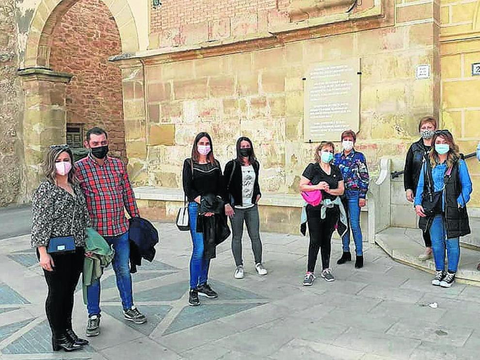 Turistas durante las visitas de Calanda por su patrimonio