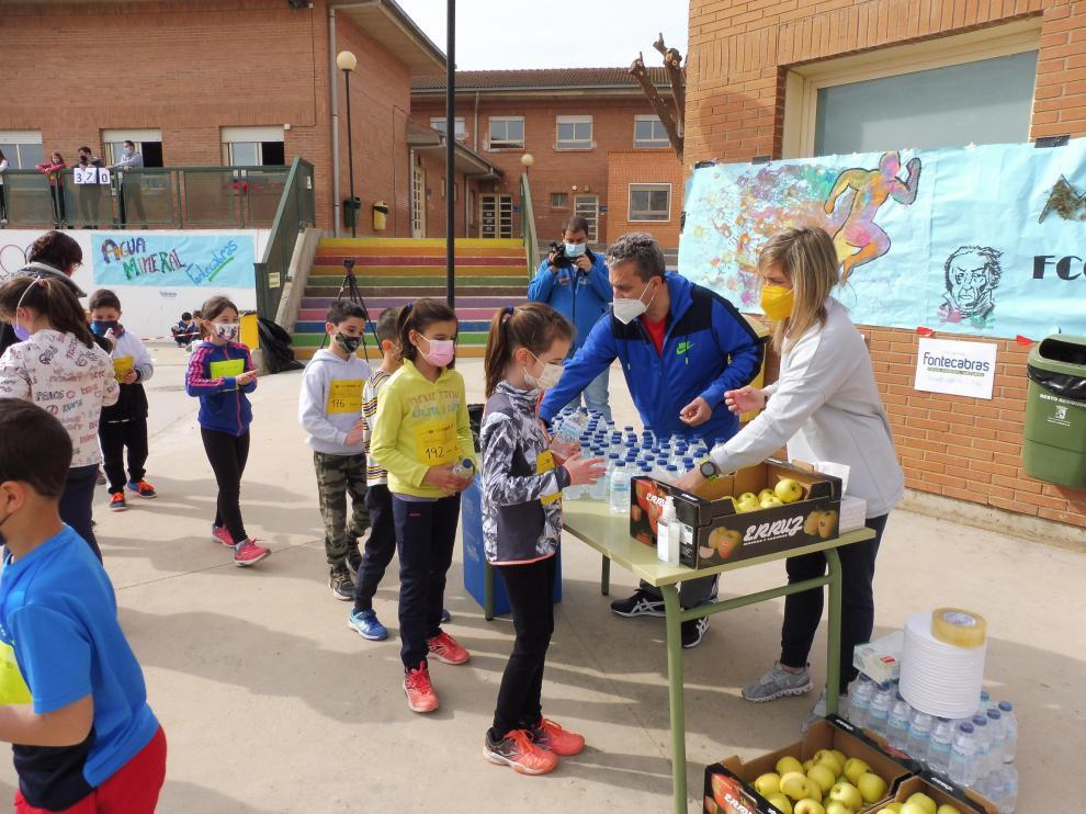 Agua y fruta para aguantar mejor la maratón
