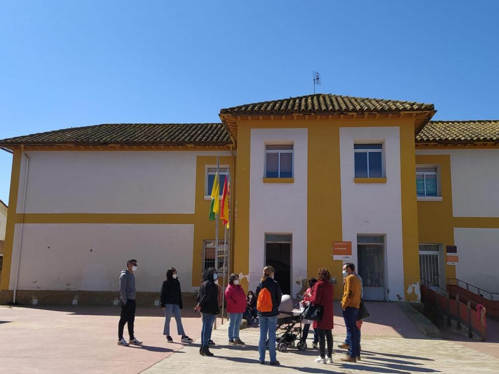 Escuela de Peralta de Alcofea.