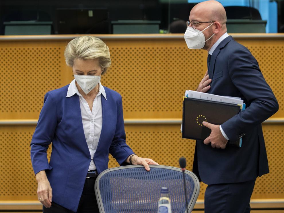 El presidente del Consejo Europeo, Charles Michel y la presidenta de la Comisión Europea, Ursula von der Leyen,