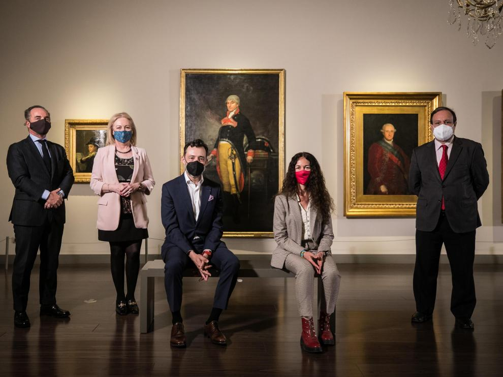 De izquierda a derecha, Enrique de Yraolagoitia, María Jesús Lorente, José Antonio González, María López de Insausti y José Miguel Sánchez, en el Museo Goya