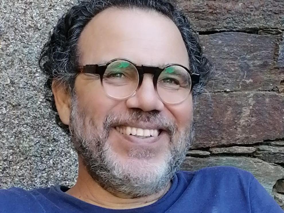 Ernesto Estrada, investigador ARAID en el IUMA, que aparece en el primer puesto de las dos clasificaciones.