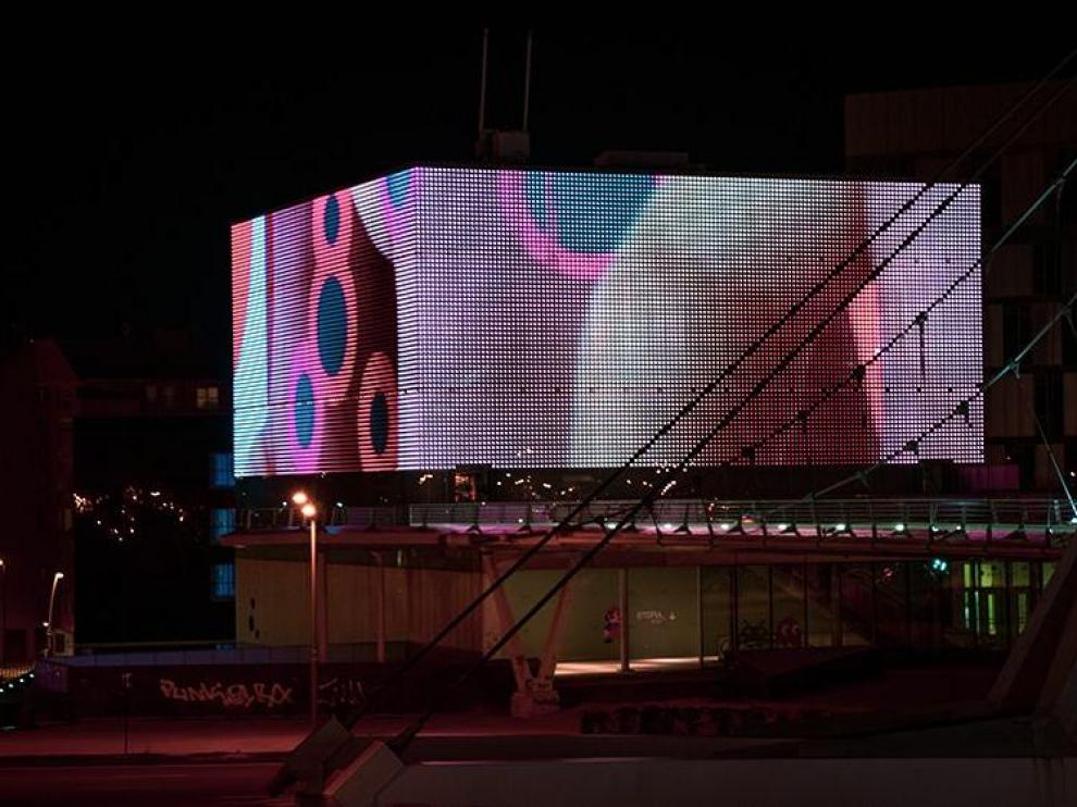 Etopia busca obras creativas de videoarte para proyectar en su fachada.