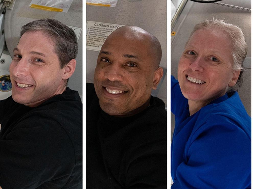 Los astronautas Shannon Walker, Michael Hopkins, Victor Glover y Soichi Noguch