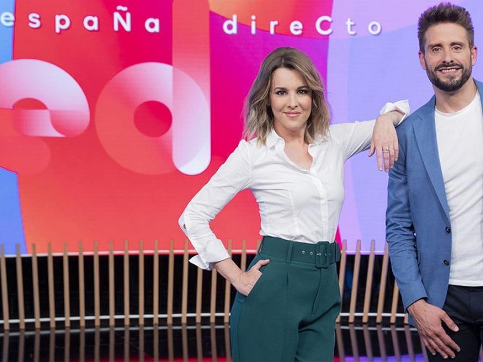 Ana Ibáñez y Àngel Pons en el nuevo plató de 'España Directo'