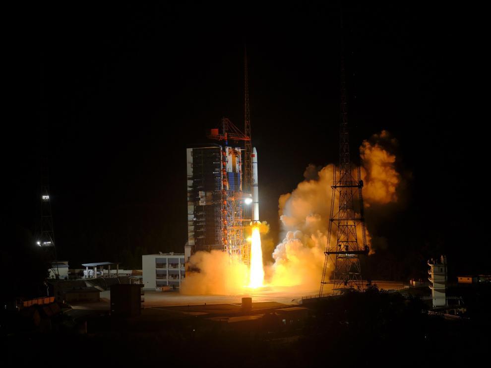 Los restos del cohete lanzado por China han caído en el océano Índico.