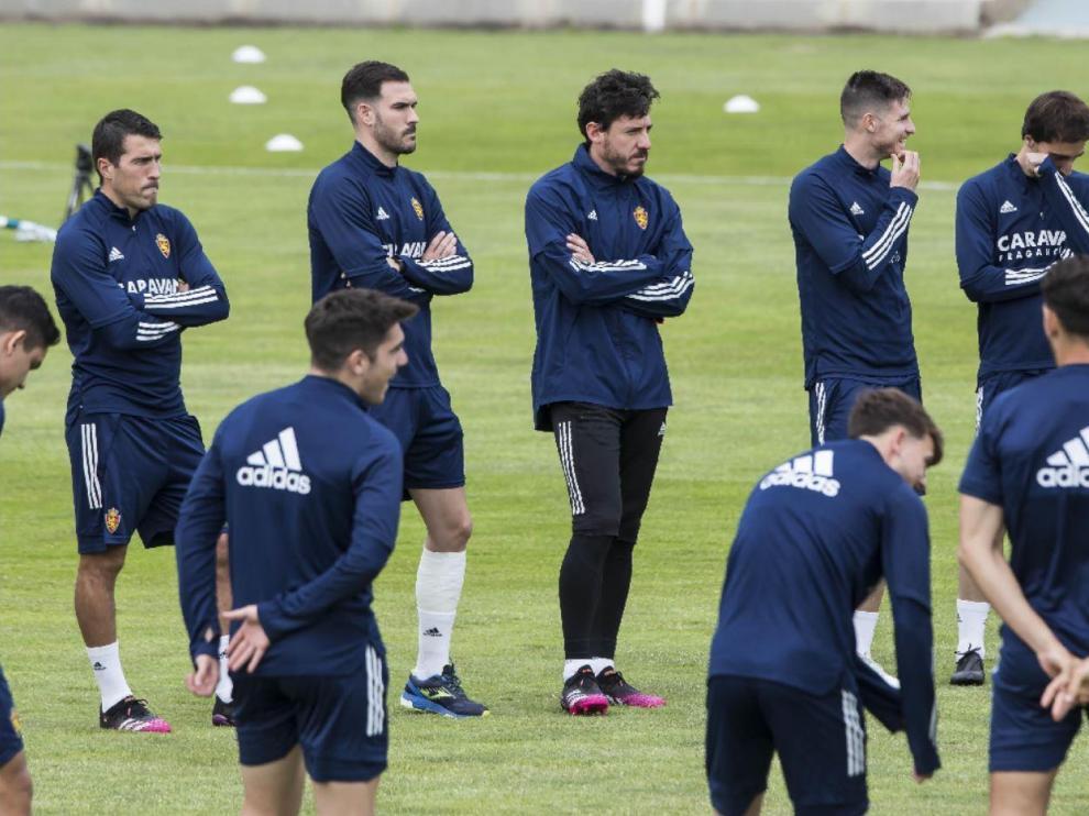 Los jugadores del Real Zaragoza están ya en disposición de sellar matemáticamente la permanencia en la categoría.