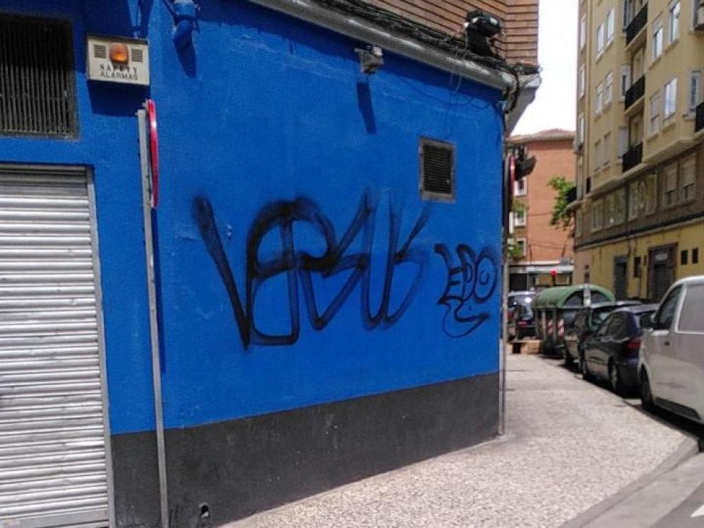 Pintadas vandálicas.