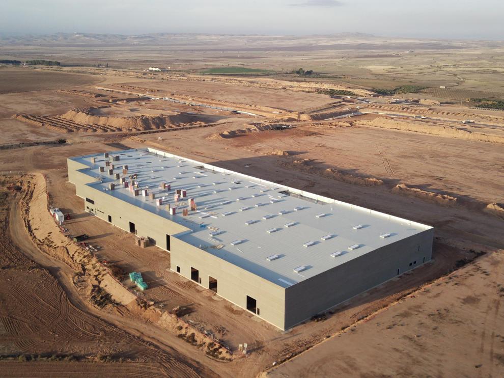 La nave de talleres de 14.000 metros cuadrados es la primera edificación de Bon Àrea