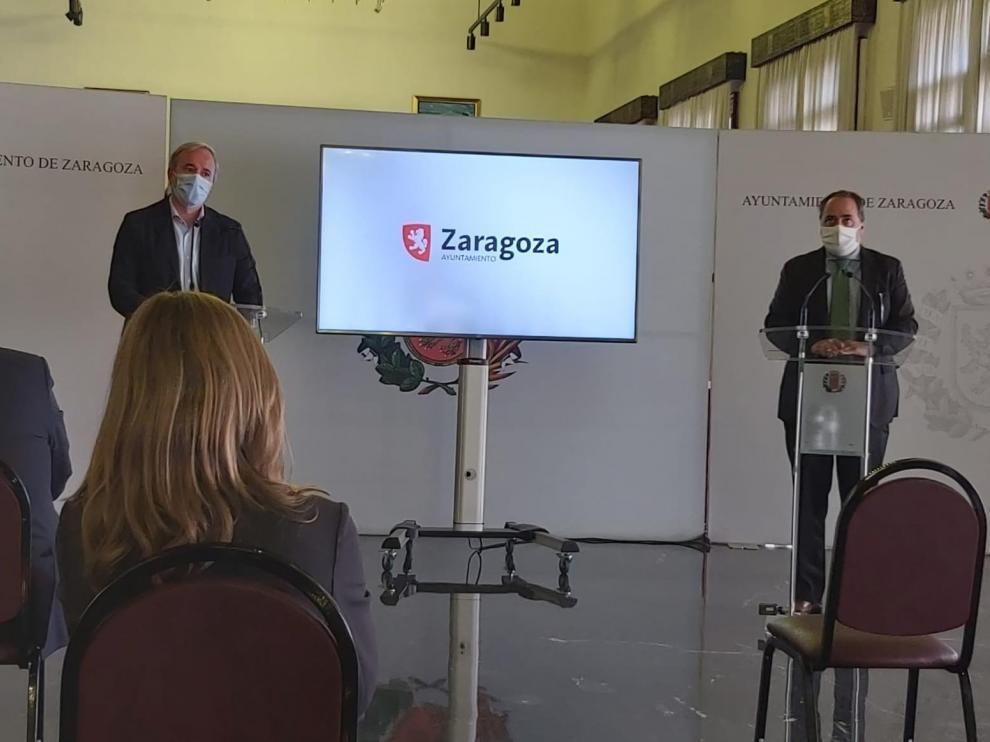 El alcalde de Zaragoza y el director general de Telefónica 5G, ayer en Zaragoza
