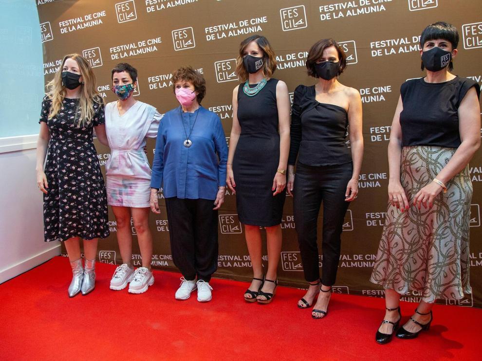 Pilar Palomero, Nata Moreno, Julieta Serrano, Carmen Pemán, Aitana Sánchez-Gijón y Raquel Viejo, ayer en La Almunia
