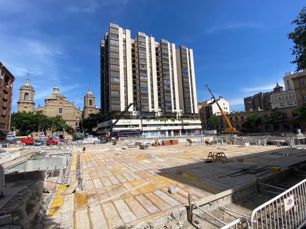 Obras en la plaza de Salamero en Zaragoza.