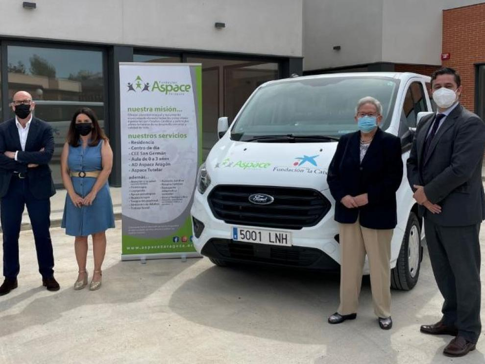 La Fundación Aspace Zaragoza dispondrá de un vehículo adaptado para sillas de ruedas gracias a CaixaBank