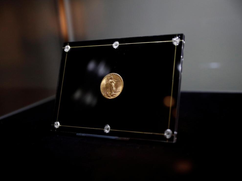 La moneda Águila Doble, antes de ser subastada.