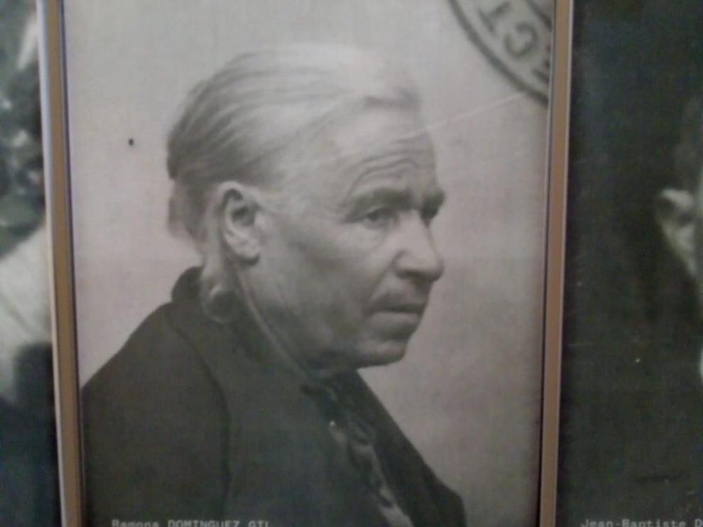 Retrato de Ramona Domínguez en el Museo de Oradour sobre la matanza de los nazis en 1944.