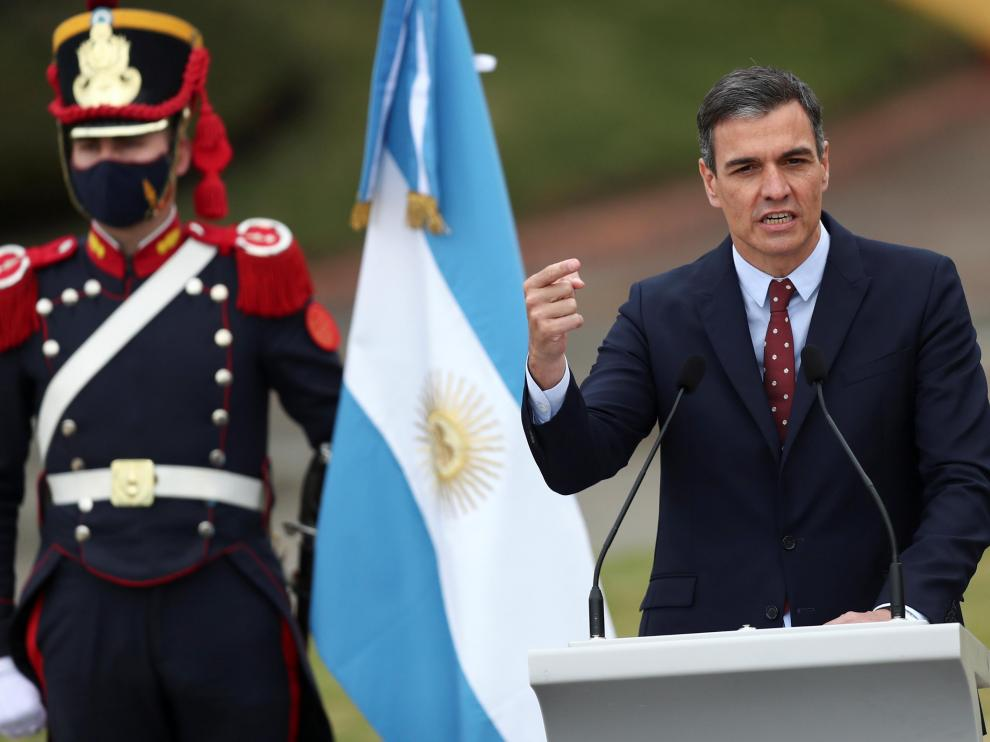 Pedro Sánchez, durante su rueda de prensa conjunta con el presidente de Argentina, Alberto Fernández, en Buenos Aires