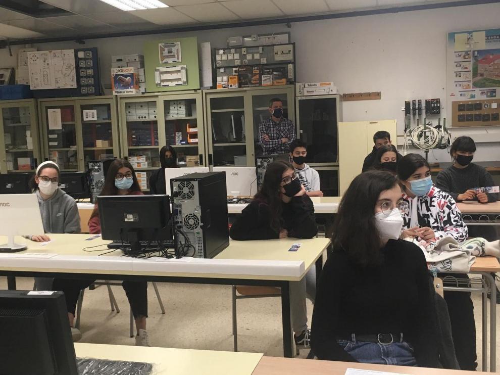 Visitas de alumnos de 4º de la ESO y de 2º de Bachillerato para conocer la oferta formativa del CPIFP Pirámide de Huesca.