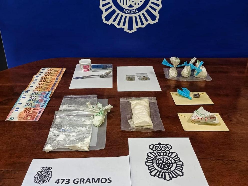 Drogas, dinero y utensilios para la distribución de droga intervenidos en Zaragoza
