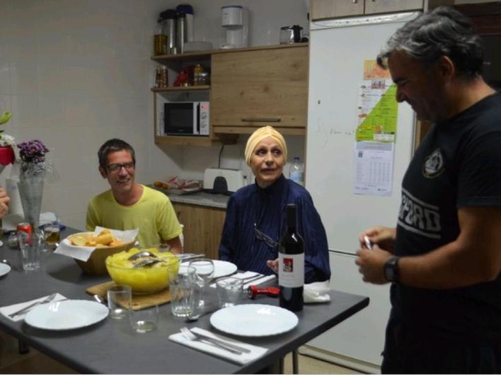 Rada Panchovska y Ricardo Díez, de pie, con otros dos traductores en la Casa del Traductor de Tarazona.