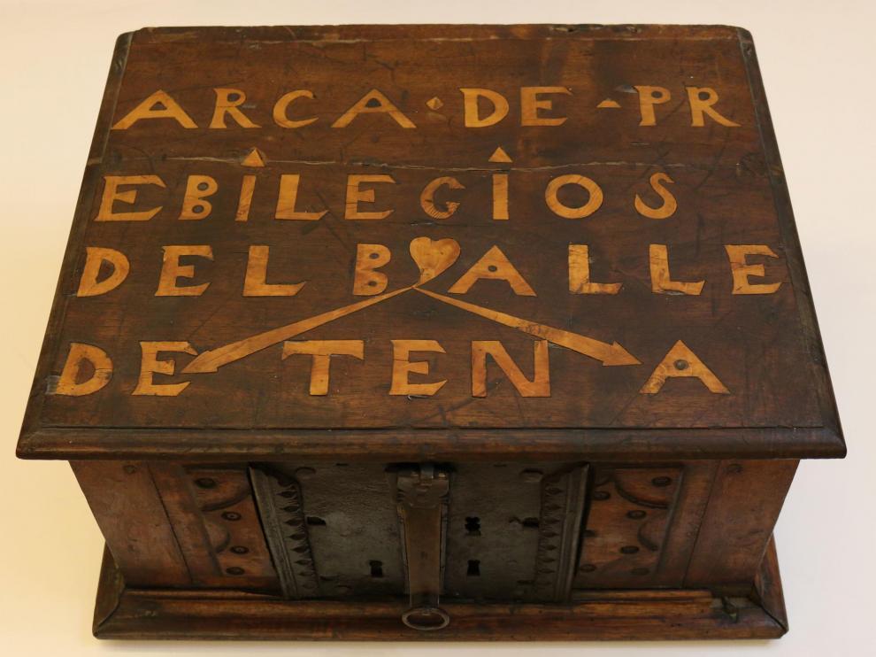 El Ayuntamiento de Panticosa conserva el arca de los privilegios del Valle de Tena de tres llaves del siglo XV.