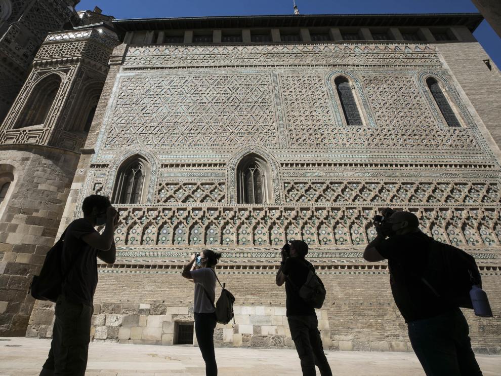 La Seo zaragozana ha sido elegida la catedral más bonita de España por la comunidad de viajeros de Lonely Planet en Instagram