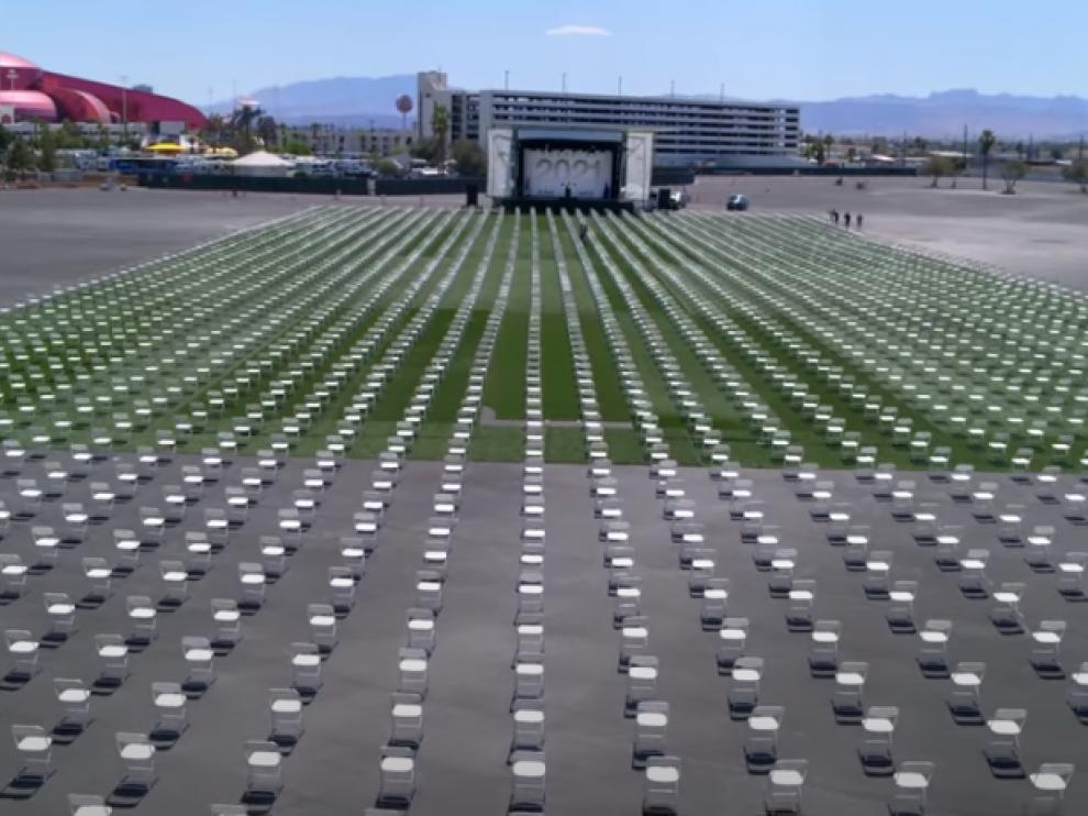 John Lott terminó hablando ante más de 3.000 sillas vacías